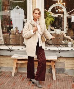 Spotlight on VildaOOTD Vegan Outfit of the Year nominee 4, Frederique from Arnhem - Frederique was nominated by Vilda Fashion Editor Sica Schmitz for her 70s-inspired teddy coat look. The winner will receive a shopping spree with Unicorn Goods and an item of her choice from Coquette, Mechaly and Story 81. Vote for Frederique here www.vildamagazine.com/2018/01/vote-best-vegan-outfit-2017/