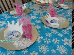 Frozen party snowflake Elsa wands, make your own snowflake crown, frozen cup goodie bags