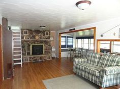 Cottage Living at Wixom Lake!  3895 Pine, Beaverton, MI.