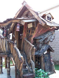 Custom Tree Houses - Custom: Owens Bait Shop - A wonderful ole shack built from this and that.