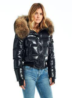 Moncler Jacket Women, Winter Fits, Puffy Jacket, Winter Jackets Women, Winter Fashion Outfits, Bomber Jacket, Fox Fur, Winter Wardrobe, Clothes