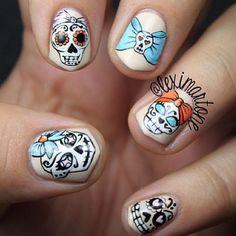 35 Killer Skull Nail Art Designs for Halloween - Meet The Best You Sugar Skull Nails, Skull Nail Art, Sugar Skulls, Get Nails, How To Do Nails, Hair And Nails, Diy Nail Designs, Creative Nails, Nail Stamping
