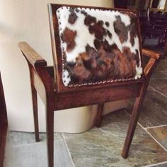 piano stool. Now THATS cool