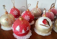 Just in time for Christmas – European Delights Christmas Cake Pops, Christmas Cake Decorations, Christmas Food Gifts, Christmas Sweets, Holiday Cakes, Christmas Goodies, Holiday Baking, Christmas Baking, Winter Torte
