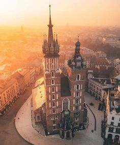 Did you know Kraków's Main Square is the largest medieval commercial square in Europe? Oh The Places You'll Go, Places To Visit, Visit Poland, Poland Travel, Austria Travel, Krakow Poland, Europe Holidays, World Heritage Sites, Travel Photography