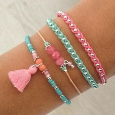 Do you like to make your own bracelets? Here are 4 ideas of bracelets to do yourself, they are hand-woven bracelets that will please you a lot. Woven Bracelets, Jewelry Bracelets, Jewelery, Arm Candy Bracelets, Stackable Bracelets, Colorful Bracelets, Bracelet Making, Jewelry Making, Jewelry Accessories
