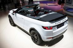 New 2016 Range Rover Evoque Convertible is here: pics, specs and full details Range Rovers, New Range Rover Evoque, Range Rover Sport, Luxury Sports Cars, Top Luxury Cars, Luxury Suv, My Dream Car, Dream Cars, Range Rover Black