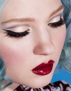 Love this rockabilly look! :: Pin Up Makeup:: Rockabilly Makeup:: Winged Eyeliner:: Red Lips:: Blue Blonde Hair