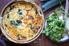 Here's how you can make the popular quiche Lorraine - vegan! This delicious vegan quiche Lorraine has the perfect 'cheesy' and 'buttery' texture of the original French recipe without any dairy! Vegan Recipes Easy, Whole Food Recipes, Vegetarian Recipes, Vegan Meals, Vegan Food, Quiche Lorraine, Classic French Dishes, French Food, Lorraine Recipes