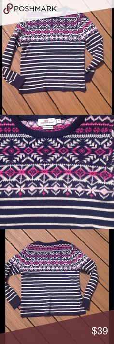 Vineyard Vines Sweater EUC, this Vineyard Vines sweater has a cute multi-pattern to it.  Stripes on bottom.  Made with part cashmere, giving it a soft, luxurious feel.  Size XS. Vineyard Vines Sweaters Crew & Scoop Necks