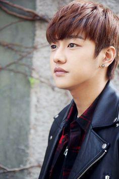 Shin Won Ho - South Korean singer and actor Legend Of The Blue Sea Wallpaper, Legend Of Blue Sea, Shin Won Ho Legend Of The Blue Sea, Asian Actors, Korean Actors, Shin Cross Gene, Shin Won Ho Cute, Hong Ki, Tae Oh