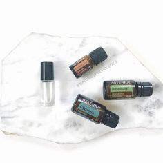 Try this blend! My mom has recently been talking about how puffy her under eyes are and how she wants to get surgery. Essential Oils For Face, Cypress Essential Oil, Beauty Regimen, Beauty Products, Under Eye Bags, Fractionated Coconut Oil, Puffy Eyes, Varicose Veins, Doterra Essential Oils