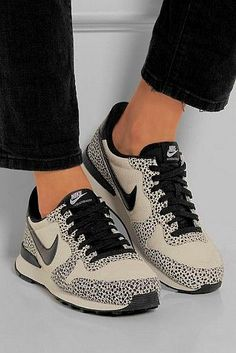 Pick it up! Nike running shoes outlet just for $21.9 ! not long time for cheapest