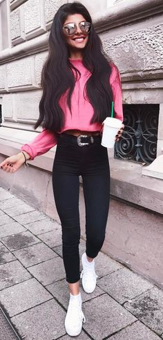 outfit idea pink top + skinny pants