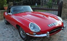 1961 Jaguar E-Type Series I Roadster - Silverstone Auctions Jaguar Type, Jaguar Xk, Jaguar Cars, Classic Motors, Classic Cars, British Sports Cars, British Car, Thing 1, E Type