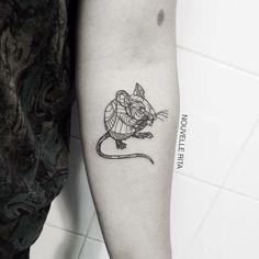 No te pierdas la técnica de tatuaje con formas de animales de Nouvelle Rita y descubre por qué esta tatuadora está tan solicitada en la actualidad