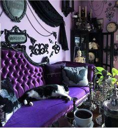 Goth Bedroom, Room Ideas Bedroom, Bedroom Decor, Decor Room, Wall Decor, Gothic Room, Gothic House, Gothic Living Rooms, Victorian Gothic Decor