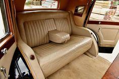 V12 Engine, Rolls Royce Phantom, Phantom 3, Rear Seat, Foot Rest, Colorful Interiors, Cars For Sale, Vintage Cars, Love Seat