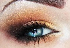 BEAUTIFUL gold and dark brown smokey eye