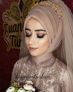 Another elegant bride 😊 we prepare our brides according to their wishes 🤗 Muslim Wedding Gown, Muslimah Wedding Dress, Disney Wedding Dresses, Wedding Hijab, Pakistani Wedding Dresses, Bridal Dresses, Dress Wedding, Hairstyle Trends, Scarf Hairstyles