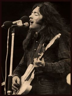 Rory August 1970 Isle of Wight festival