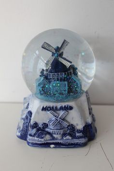 Delux Holland Snow Storm/Globe, Souvenir, Collectable, Rare, Windmill Netherland…