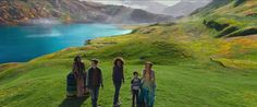 'A Wrinkle in Time' trailer shows off a planet-hopping adventure A Wrinkle in Time is a classic sci-fi novel thats being brought to the big screen by director Ava Duverney. The book originally published in 1963 is by Madeleine L'Engle and features Meg Murry a twelve-year-old girl who goes on a quest across the universe to save her father. A new trailer for the movie which releases on March 9th 2018 came out today.  The trailer focuses on the science of the movie which revolves around Megs…