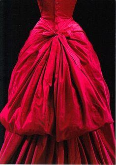 Evening dress by Cristóbal Balenciaga. From Paris about 1955.  .