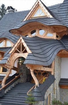 The year of mud - building with cob. Did Antoni Gaudi build a secret cob house somewhere?! I love the fluidity here.