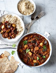 This vegetarian and gluten-free aubergine and halloumi curry recipe is less than 300 calories a serving and ready in just 30 minutes, perfect for a midweek meal Curry Recipes, Veggie Recipes, Indian Food Recipes, Vegetarian Recipes, Cooking Recipes, Healthy Recipes, Diner Recipes, Vegetarian Dinners, Savoury Recipes