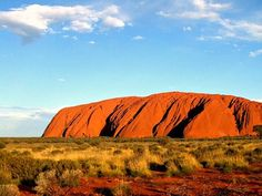 Ayers Rock (Uluru) in Australien Amazing Destinations, Holiday Destinations, Travel Destinations, Visit Australia, Australia Travel, Great Barrier Reef, Travel Around The World, Around The Worlds, Ayers Rock