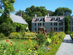 Adams National Historical Park Itinerary for Full Park Tour Begin at the Park Visitor Center Browse the bookstore and obtain tickets for house tours (15 minutes) ...