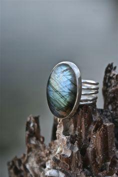 Labradorite Spindles Ring