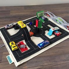 Vroom.. this Travel Play Mat features 3 spectacular pop-up segments and 4 interactive play stations to spark a Toddlers creativity. Super fun and travel-friendly this roll out quiet book activity mat is perfect for boys and girls age 2 to 5 and makes a great Birthday gift. Includes: ❤︎