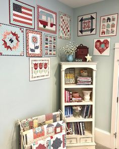 Rehung my mini wall......well, corner, to fit in a couple new minis and make room for more! ❤️. This is in my sewing room. #i❤️miniquilts…