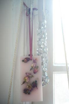 roses.jpg 620×929 píxeles