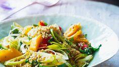 Quinoa mit Gemüse | http://eatsmarter.de/rezepte/quinoa-mit-gemuese-1