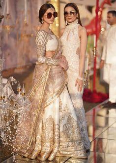 Bridal Mehndi Dresses, Wedding Lehnga, Asian Wedding Dress, Indian Bridal Outfits, Desi Wedding, Wedding Bride, Wedding Dresses, Pakistani Fashion Party Wear, Pakistani Bridal Dresses