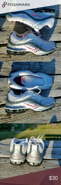Mike Reax Run 5 running shoes 6.5 Needs one shoestring excellent preowned condition Nike Shoes Athletic Shoes