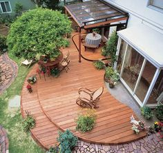 We are thinking of doing this in our new house! We will have a few acres, so we want a pretty deck!