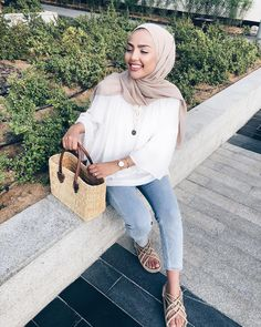 Street Style: The 30 Best Looks For Everyday - Outfit Ideas Hijab Fashion Summer, Muslim Fashion, Modest Fashion, Fashion Outfits, Casual Hijab Outfit, Casual Outfits, Cute Outfits, Outfits For Teens, Summer Outfits