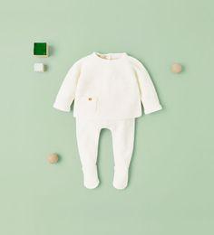 Les 8 meilleures images du tableau Vetements bébé pour soldes sur ... e8c5373f55f