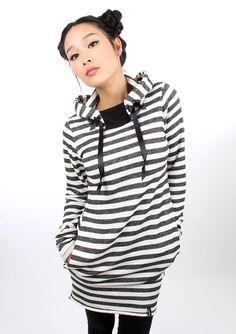 Kuscheliger langer Hoodie mit Streifen und Taschen, Kleid / winterly striped hoodie, sweat dress made by mekostore via DaWanda.com