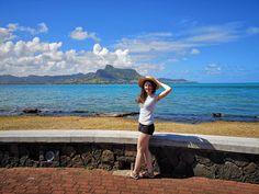 Mauritius - Paradise island - Africa - Indian Ocean - Lost on the island - island life - trevel tips - sfaturi de vacanta - ce sa faci in mauritius - fata cu palarie - blue sky - deep blue water - mountains Paradise Island, Island Life, Sud Est, Mauritius Island, Tea Blog, Deep Blue, Africa, Lost, Ocean