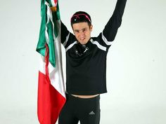 Mexicano Inaki de la Parra impone récord en Triatlón Ultraman: Natación 10km, Ciclismo 421km y Correr 84km