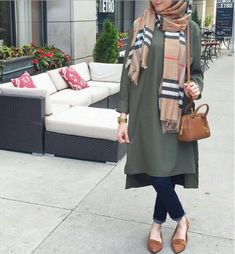 18 Cute Ways to Tie Hijab with Different Outfits Fashionably Islamic Fashion, Muslim Fashion, Modest Fashion, Hijab Fashion, Fashion Outfits, Womens Fashion, Fashion Muslimah, Modest Wear, Modest Outfits