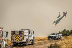 FEATURED POST   @kern_county_fire -  Great photo captured by @emtspooner last Friday at the #RangeFire. The fire is now 100% contained. . CHECK OUT! http://ift.tt/2aftxS9 . Facebook- chiefmiller1 Snapchat- chief_miller Periscope -chief_miller Tumbr- chief-miller Twitter - chief_miller YouTube- chief miller  Use #chiefmiller in your post! .  #firetruck #firedepartment #fireman #firefighters #ems #kcco  #flashover #firefighting #paramedic #firehouse #wod #firedept  #feuerwehr #crossfit…