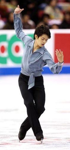 〈男子フリー・女子SP(10/19)〉 6位に終わった小塚崇彦 (303×650) http://www.asahi.com/sports/gallery/2013skateamerica/