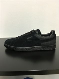 f073c6538d51 Puma suede Classic emboss black