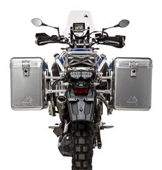 NOTE: All systems are shown with SILVER pannier racks